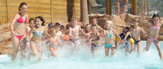 L'espace aquatique du camping et les jeux d'eau pour les enfants